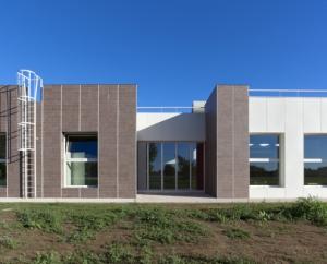 Fassade Keramik Casalgrande SchuleMassalegno-2